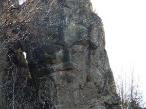 1280px-Megalitico_di_Borzone1