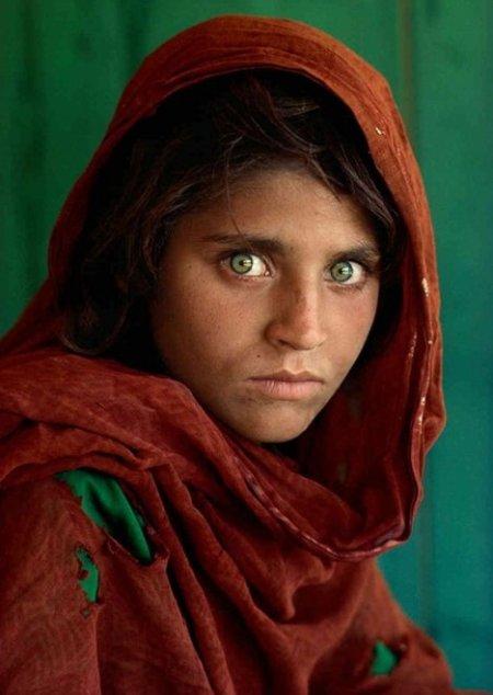 """""""La ragazza afgana"""" di Mc Curry"""