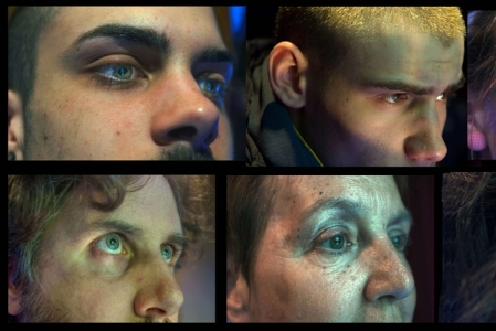 Gli occhi allucinati di giocatori davanti alle slot-machine in un'installazione choc realizzata dal fotografo siciliano e inserita nel percorso espositivo per riflettere sul tema della ludopatia